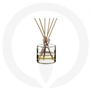 Round diffuser glassware with reeds and fragrance oil